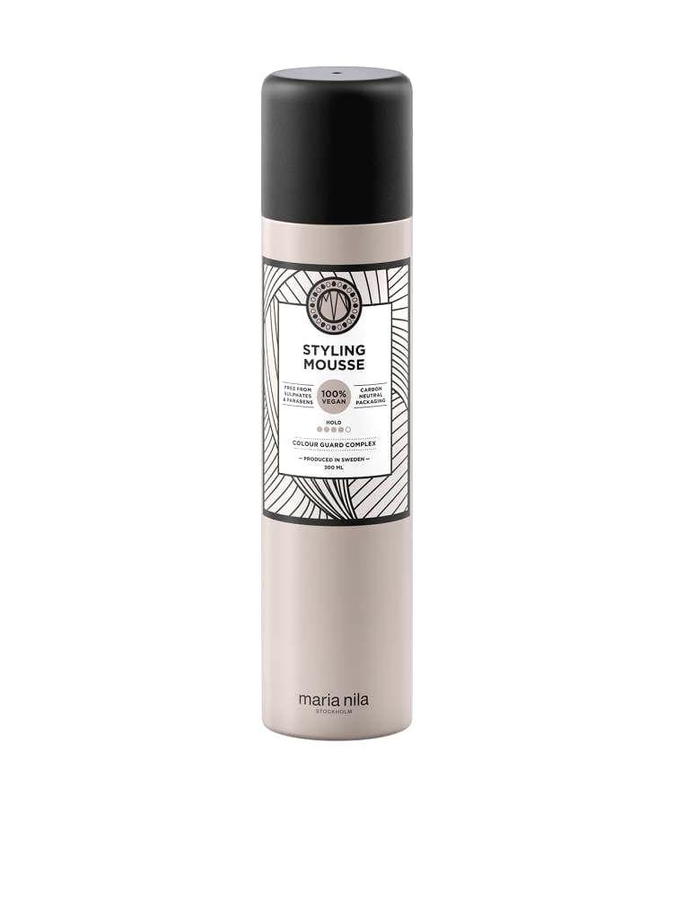 Maria Nila Stylingová pena pre objem vlasov Style & Finish (Styling Mousse)300 ml